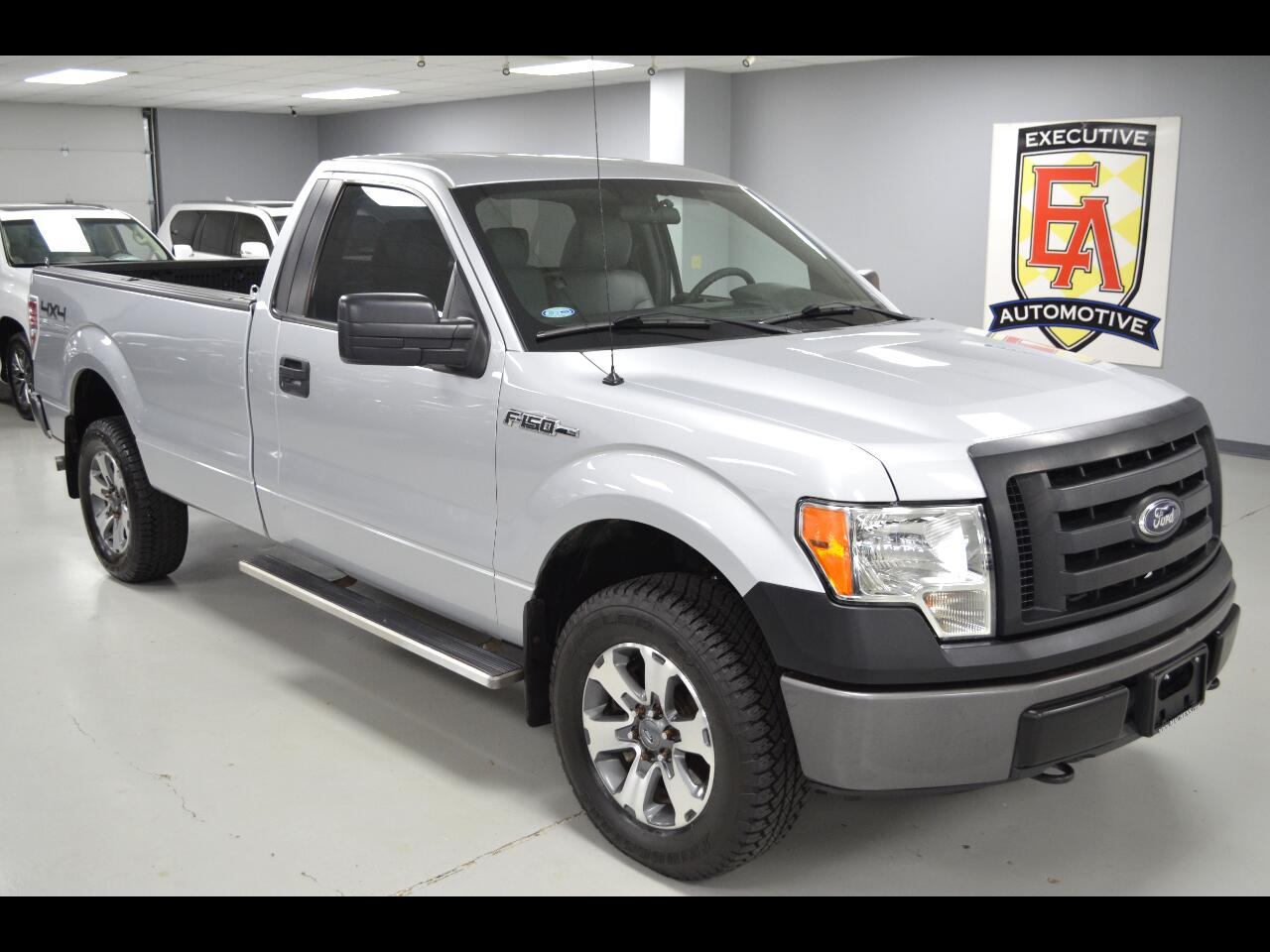 2012 Ford F-150 XLT 4WD Reg Cab 8' Box