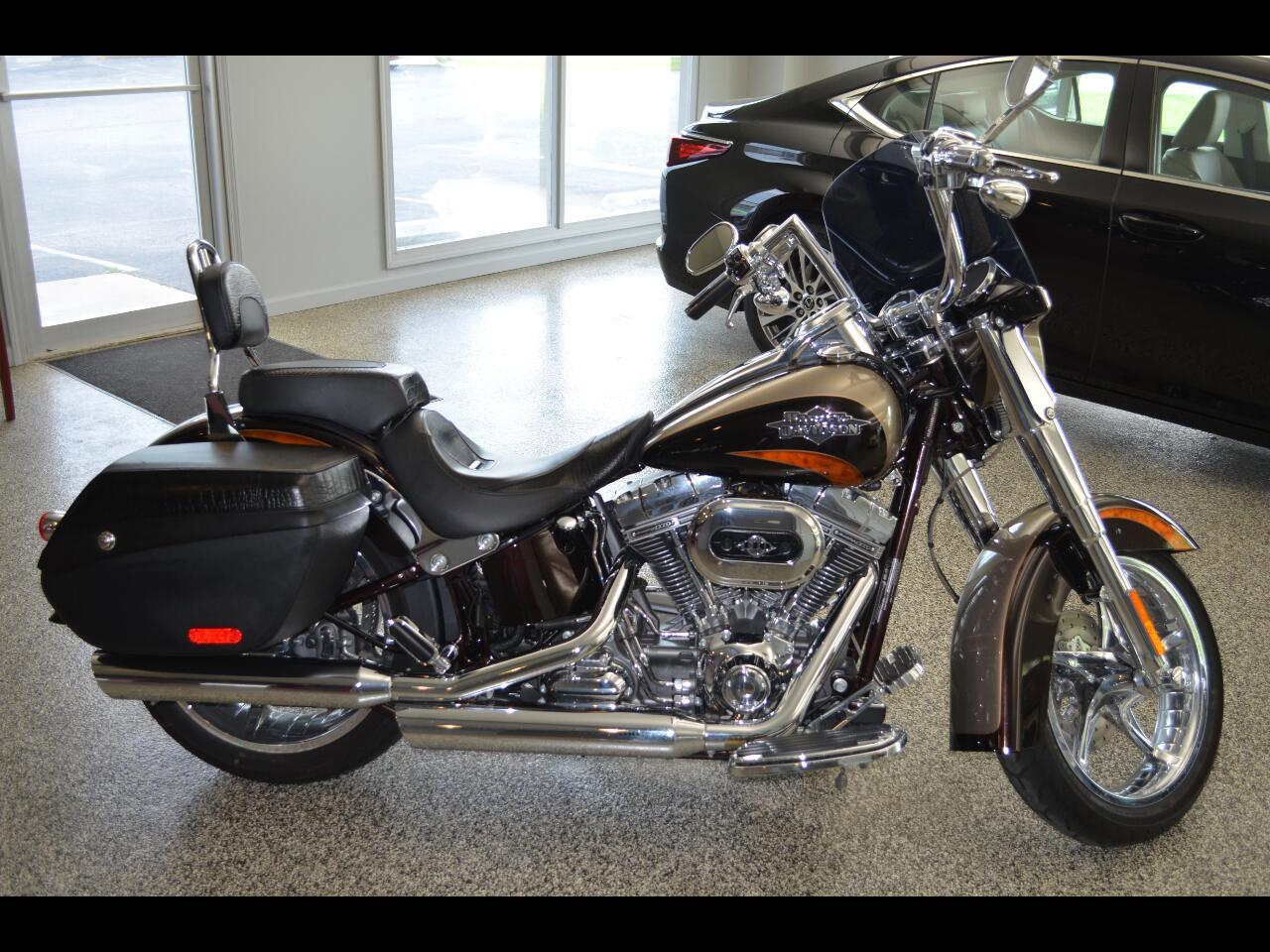 Harley-Davidson FLSTSE  2011