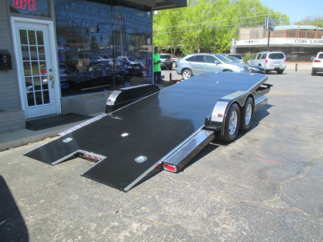 2018 Eliminator Daytona 20 ft tilt bed car hauler