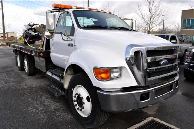 2007 Ford F-750 Regular Cab 2WD DRW