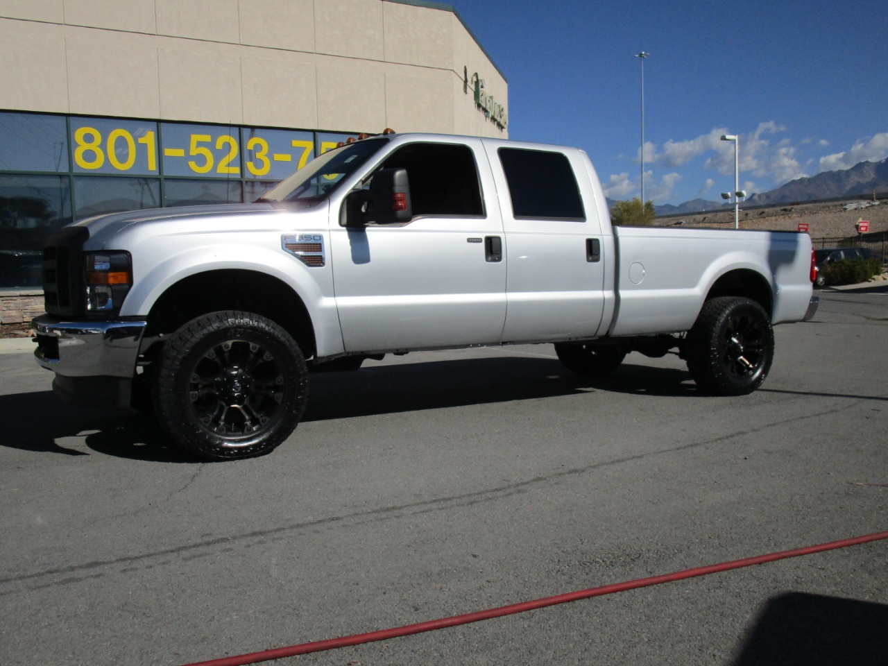 2010 Ford Super Duty F-350 SRW XLT 4WD Crew Cab 8' Box