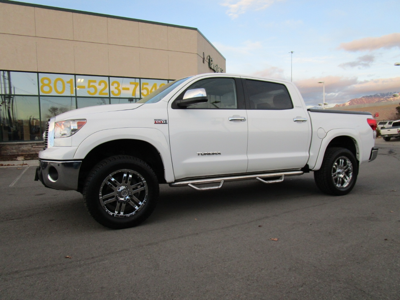 2013 Toyota Tundra 4WD Truck CrewMax 5.7L V8 6-Spd AT Platinum (Natl)