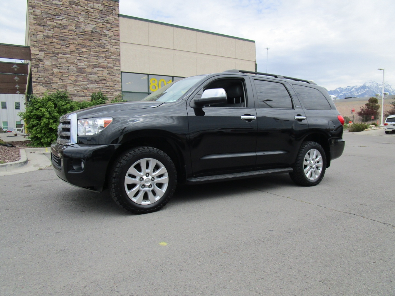 2014 Toyota Sequoia 4WD 5.7L Platinum (Natl)