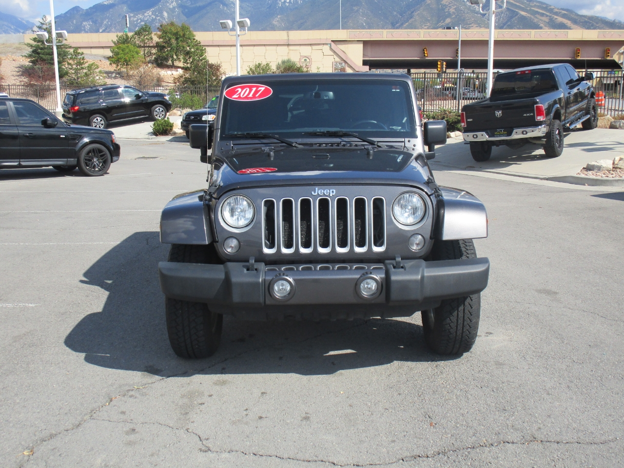 Jeep Wrangler Unlimited 4WD 4dr Sahara 2017