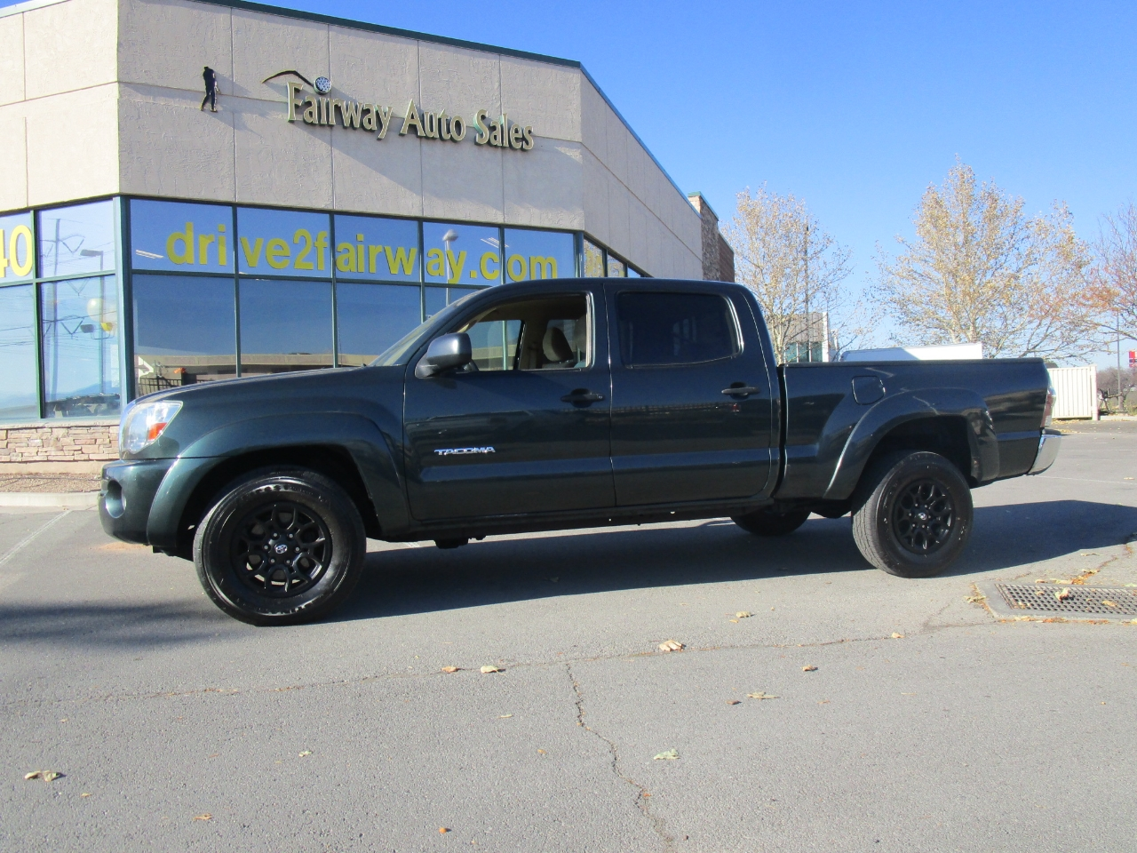 Toyota Tacoma 4WD Double LB V6 AT (Natl) 2010