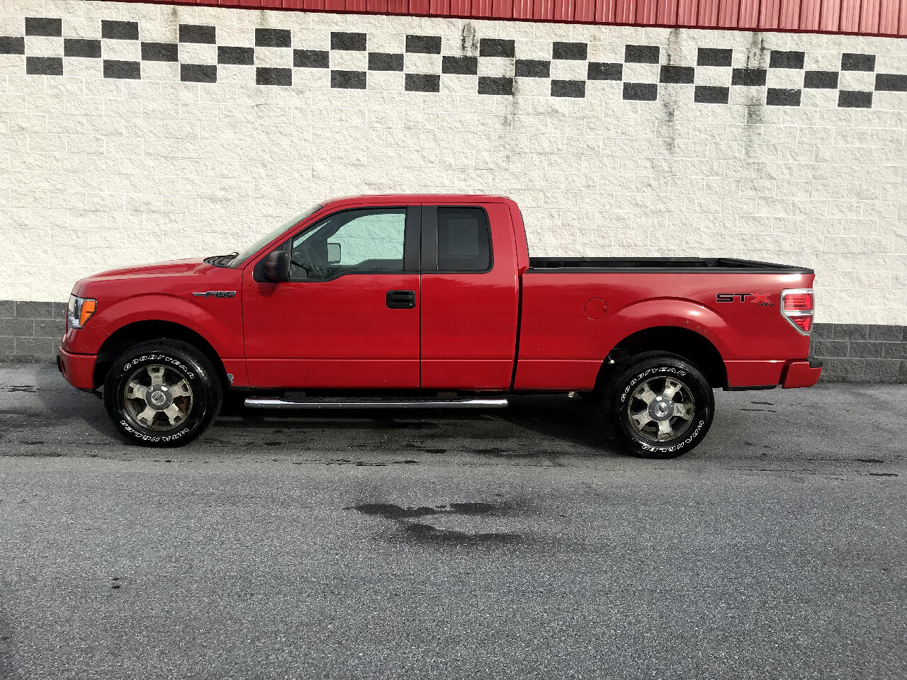 "2010 Ford F-150 4WD SuperCab 133"" STX"