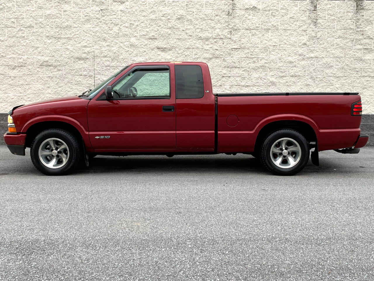2002 Chevrolet S10 Pickup EXT CAB 123