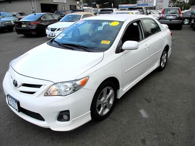 Toyota Corolla S 5-Speed MT 2012