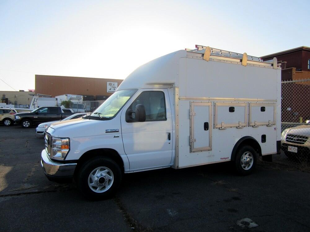 Ford Econoline E-350 Super Duty 2014