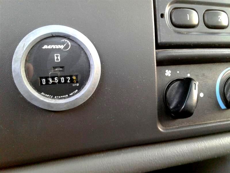 2004 Ford Super Duty F-550 DRW Reg Cab 141