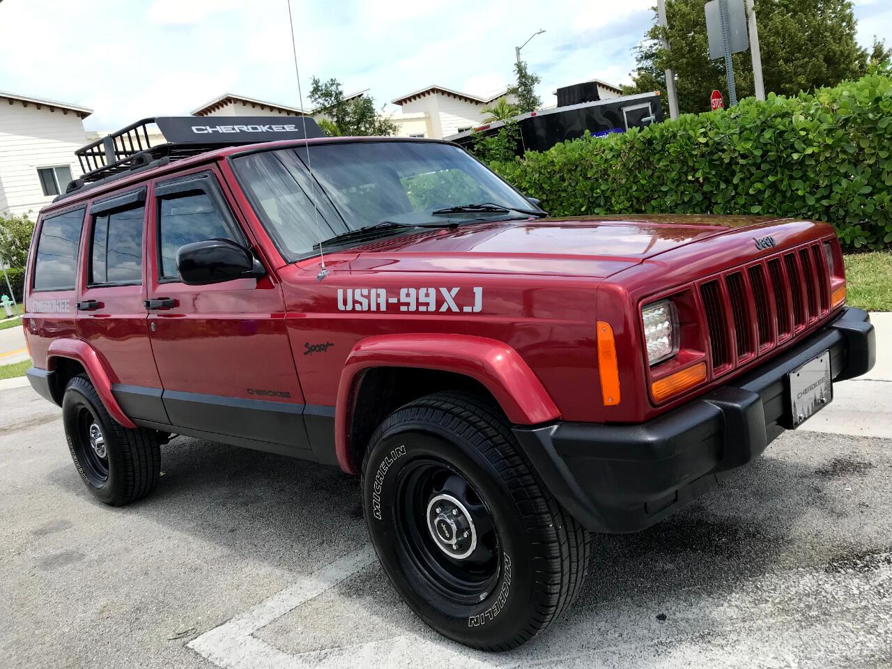 1999 Jeep Cherokee Sport 4-Door 2WD