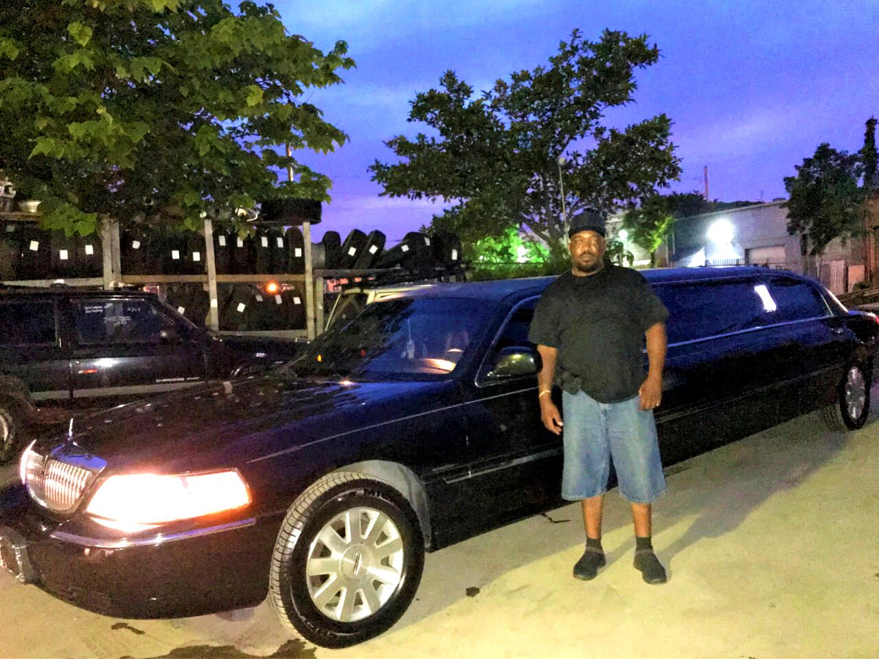 2003 Lincoln Town Car Limousine