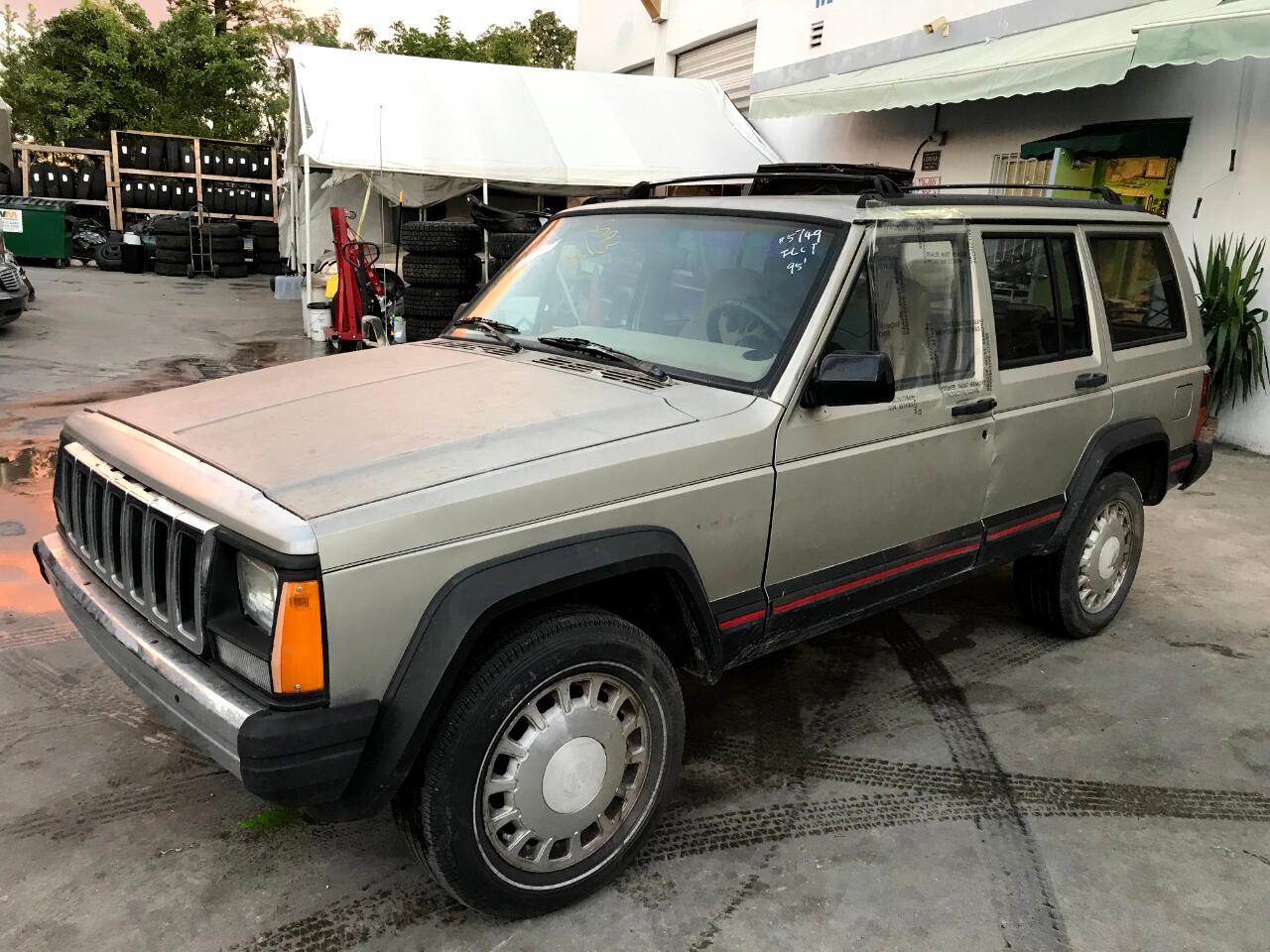 1995 Jeep Cherokee Sport 4-Door 2WD