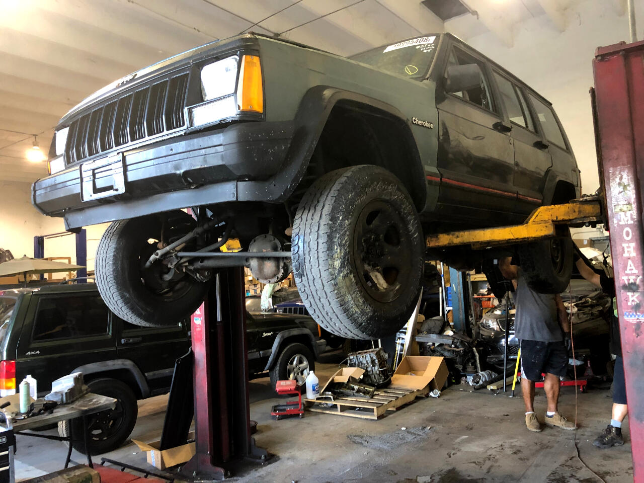 1995 Jeep Cherokee Sport 4-Door 4WD