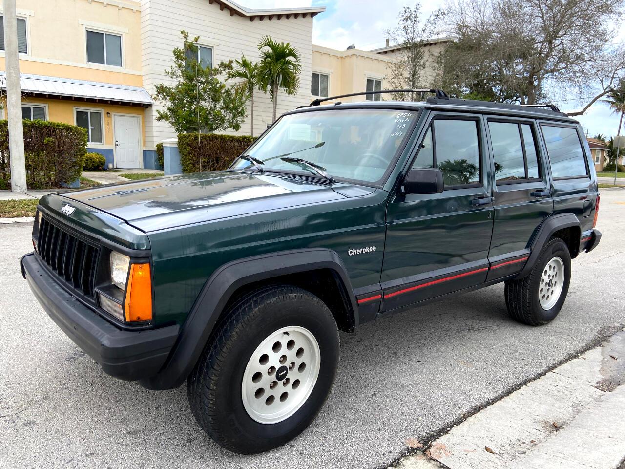 Jeep Cherokee Sport 4-Door 2WD 1993