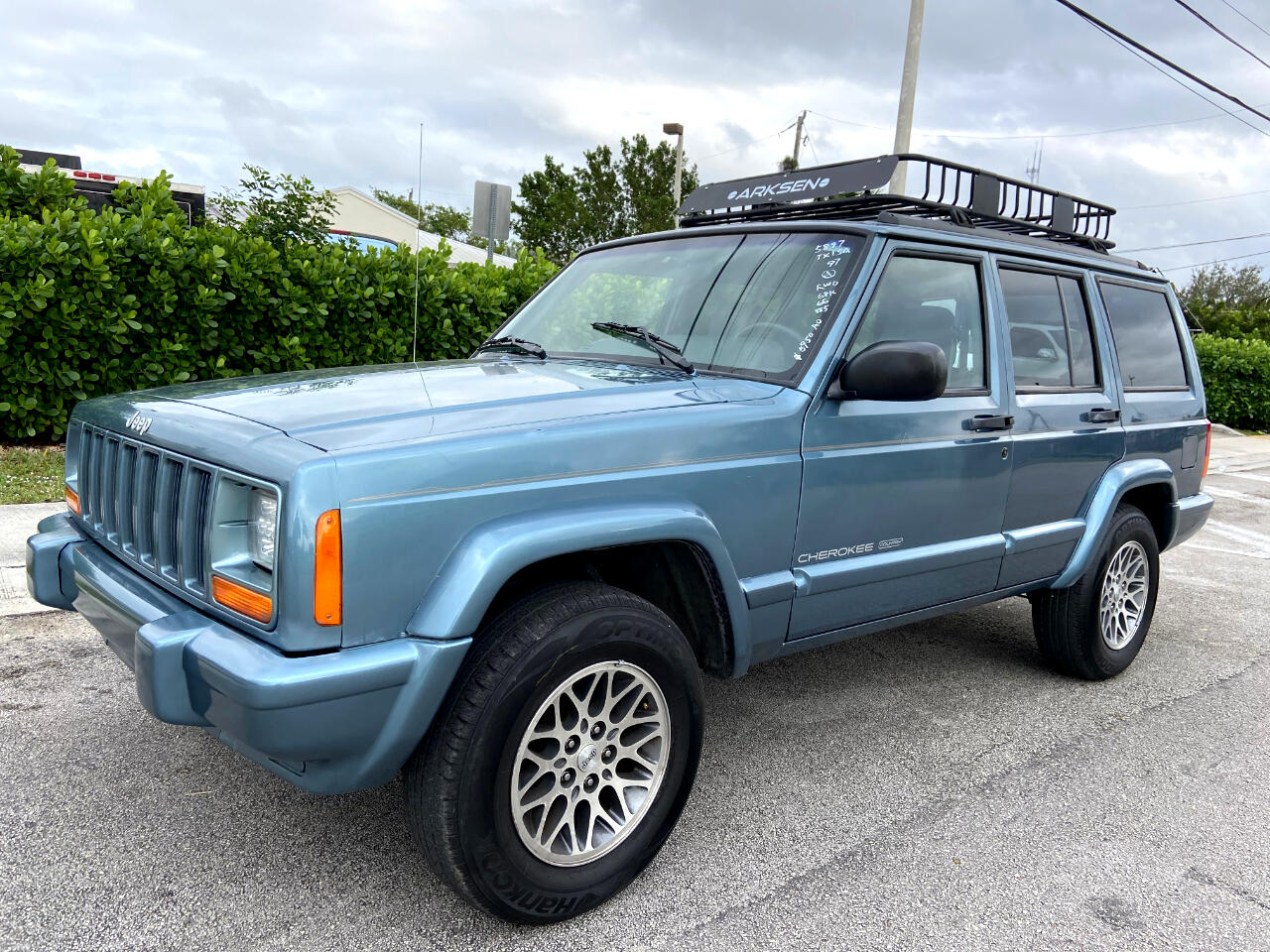 1997 Jeep Cherokee Country 2WD