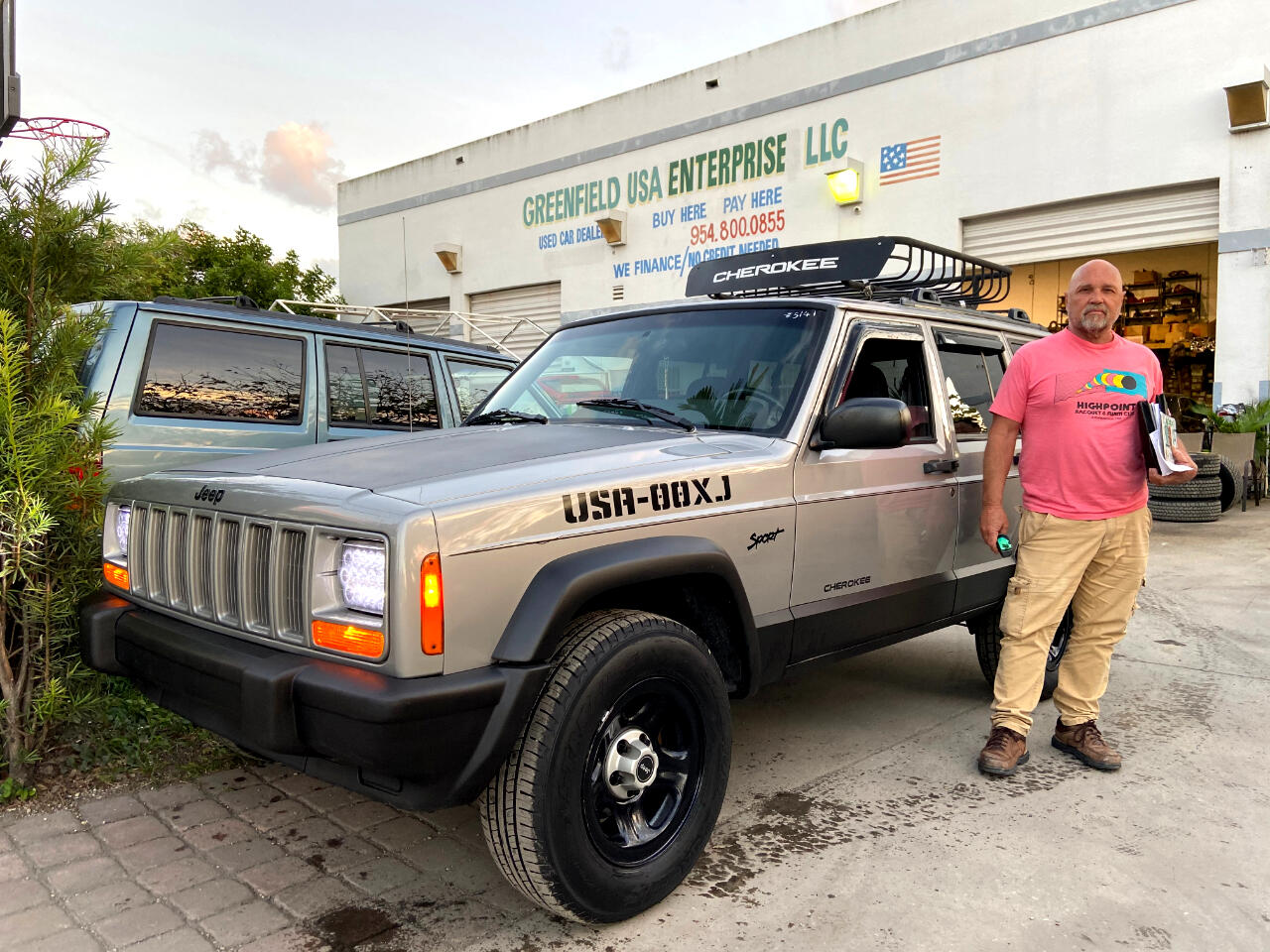 2000 Jeep Cherokee sport 4dr 2WD