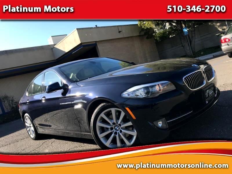 2011 BMW 5-Series 528i ~ L@@K ~ We Finance ~ Sport PKG ~ Navi ~ Call