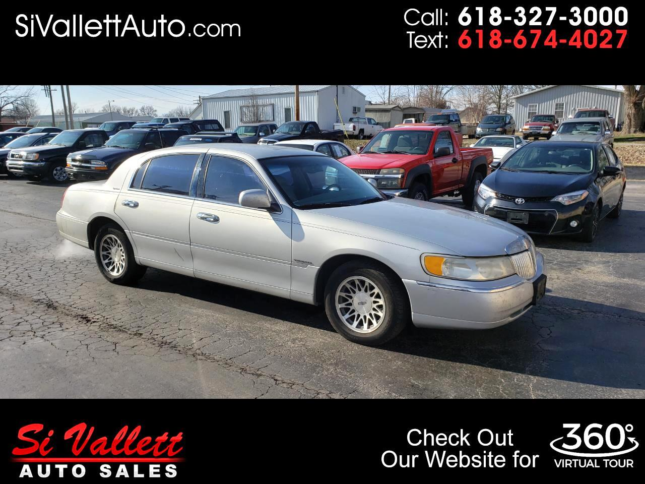 Lincoln Town Car 4dr Sdn Signature 2000