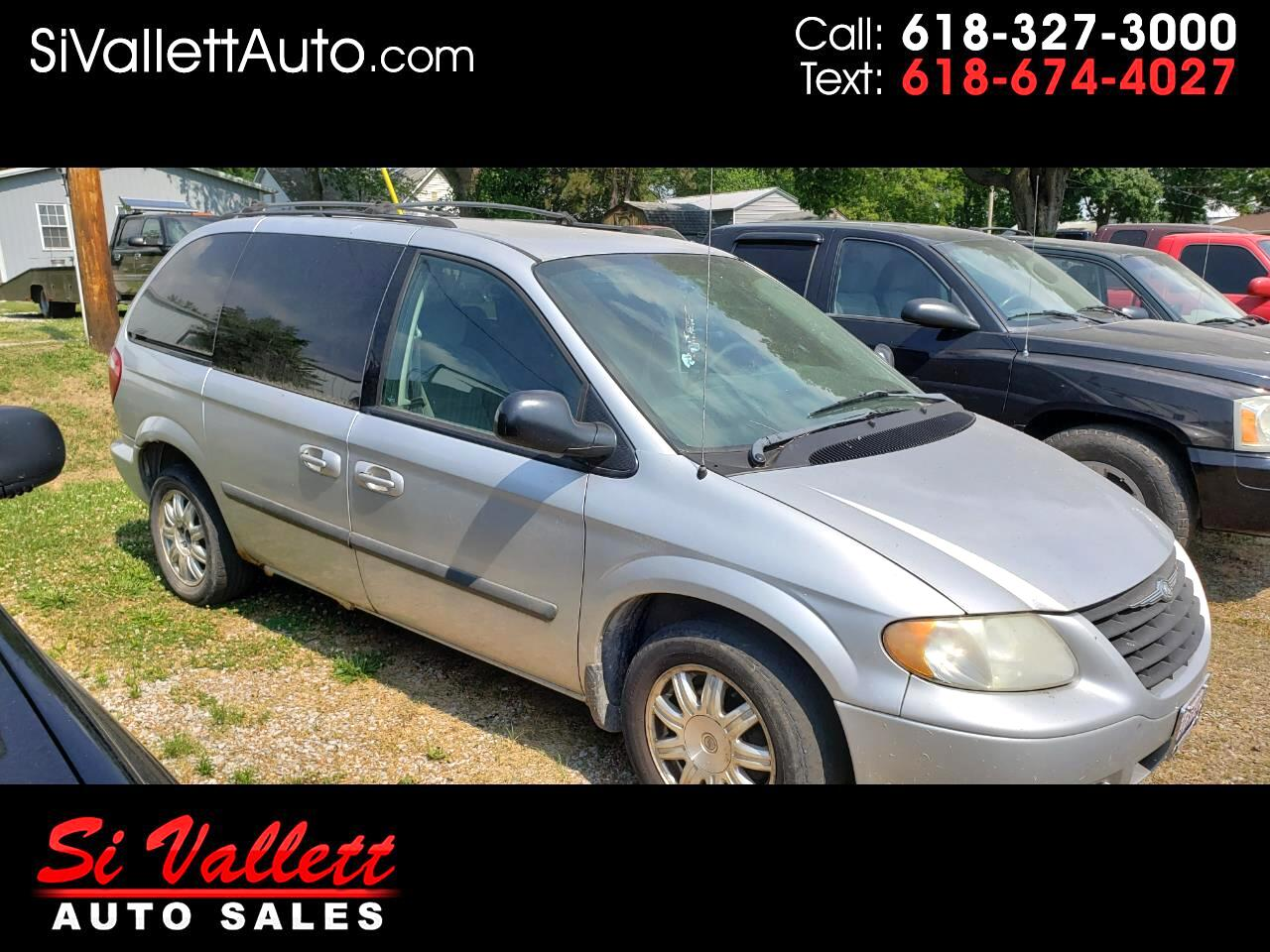 Chrysler Town & Country 4dr SWB FWD 2005