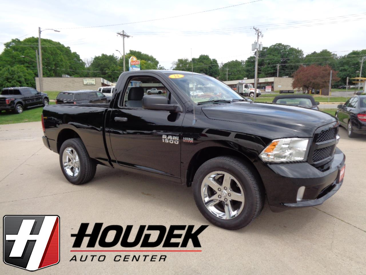 "2014 RAM 1500 Express 4x4 Regular Cab 6'4"" Box"