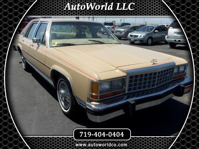 1985 Ford LTD Crown Victoria 4-Door
