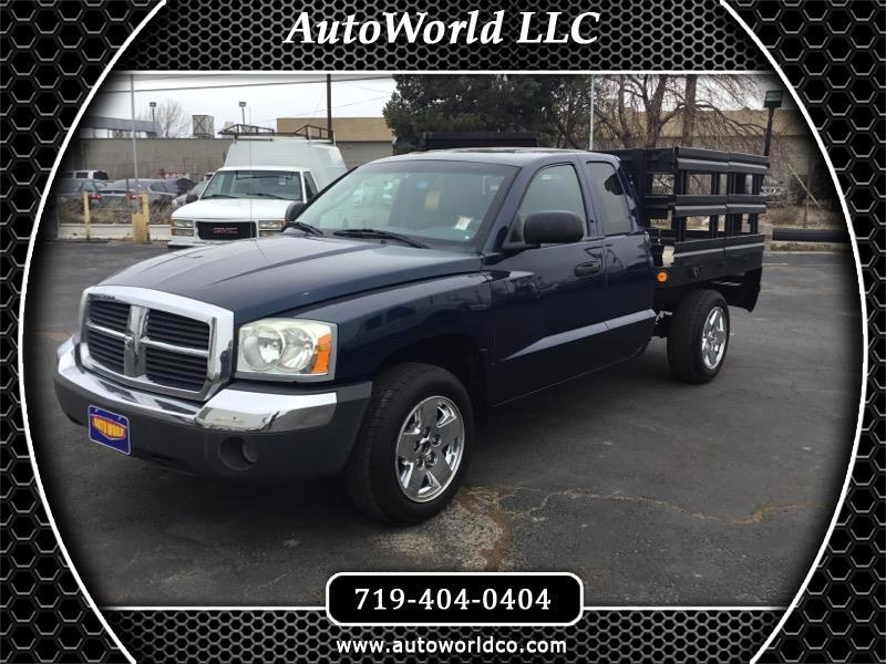 "2005 Dodge Dakota 2dr Club Cab 131"" WB 4WD SLT"