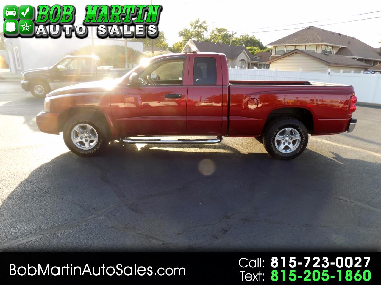 2006 Dodge Dakota 2dr Club Cab 131 SLT