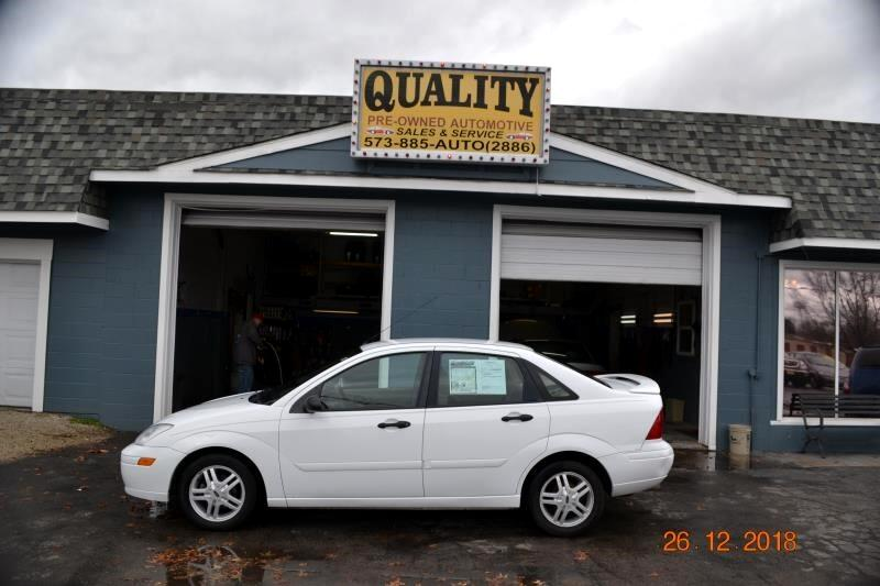 2000 Ford Focus 4dr Sdn SE