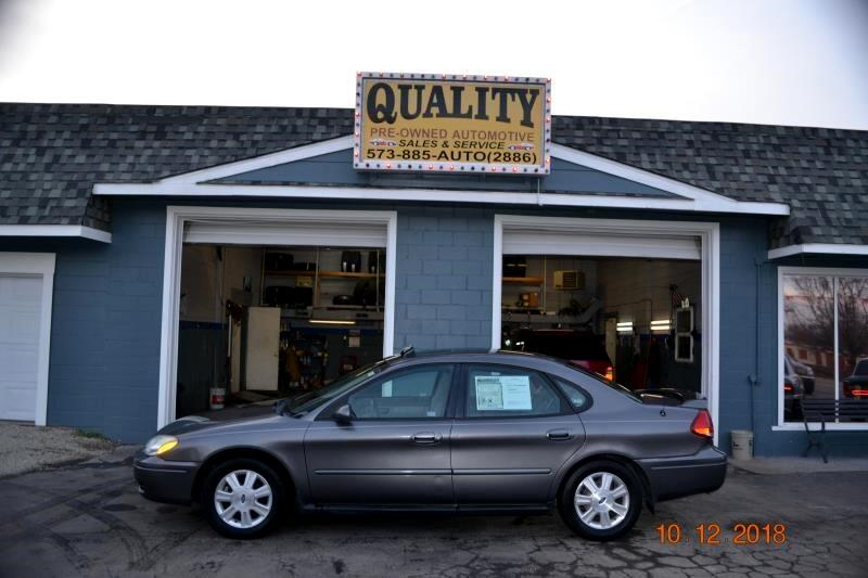 2005 Ford Taurus 4dr Sdn SEL