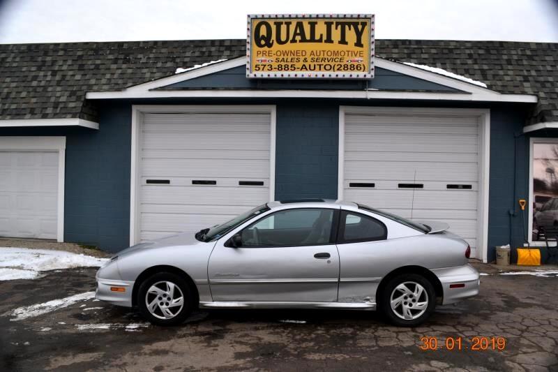 2002 Pontiac Sunfire 2dr Cpe SE