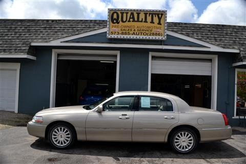 Lincoln Town Car 4dr Sdn Signature 2004