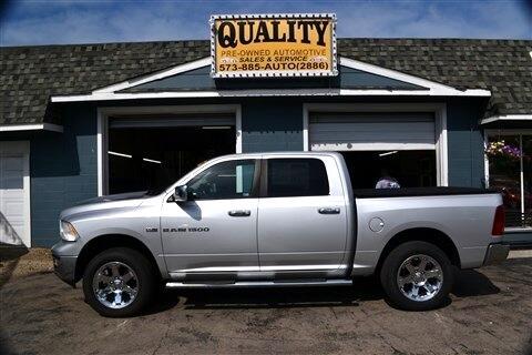 """Dodge 1500 4WD Crew Cab 140.5"""" Laramie 2011"""