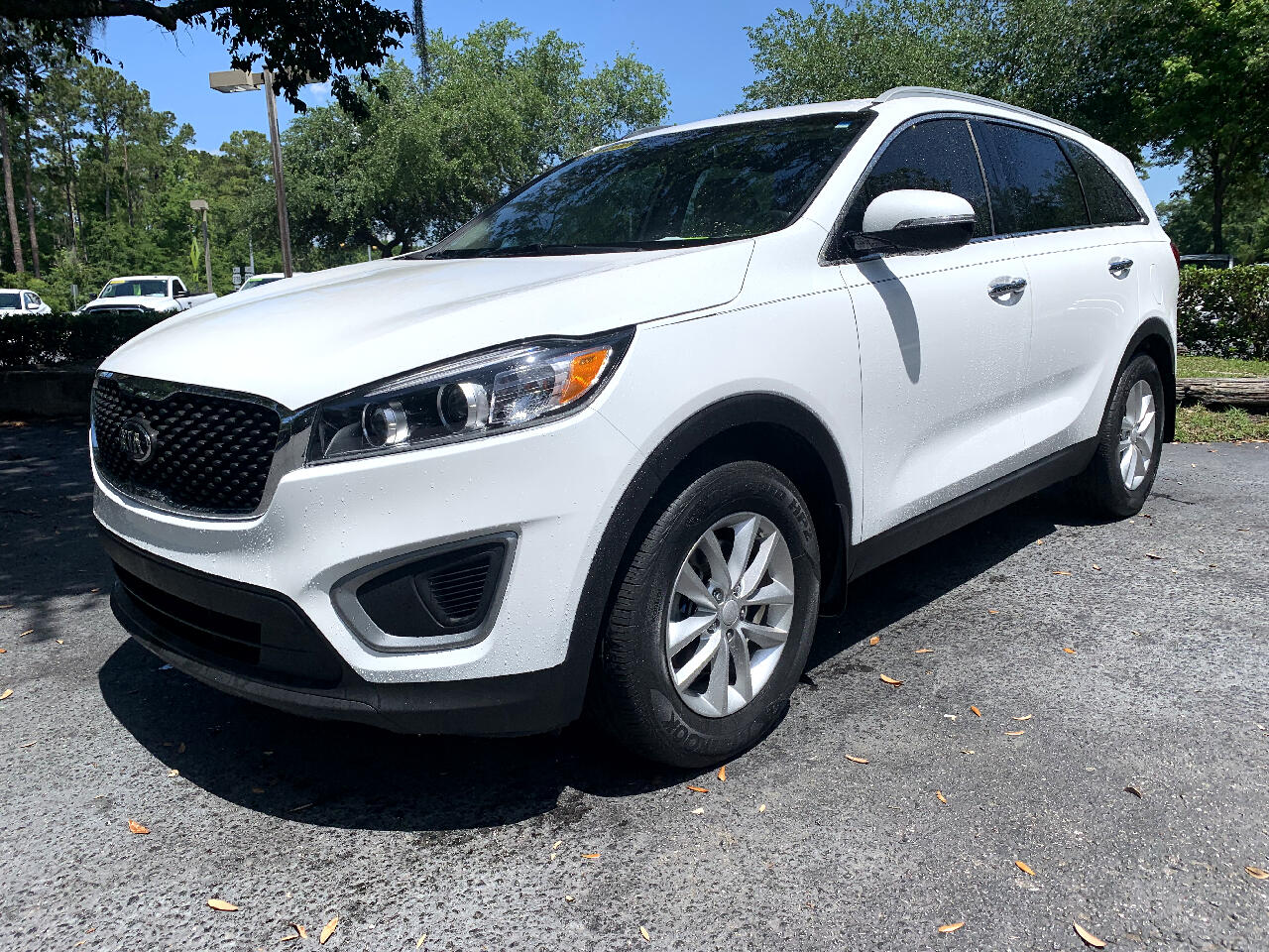 2016 Kia Sorento FWD 4dr 3.3L With a 3rd Row Seat