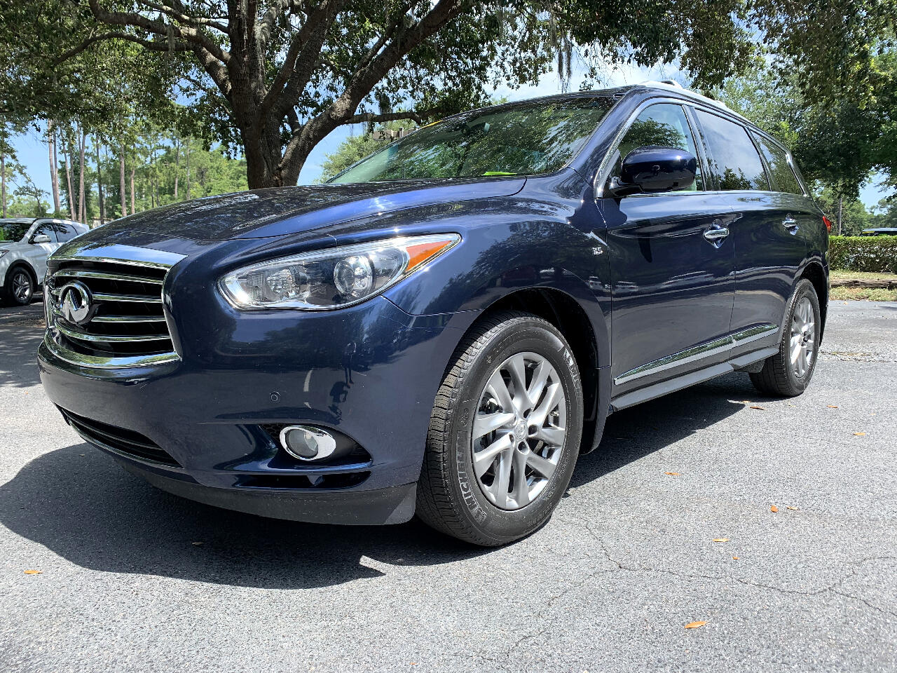 2015 Infiniti QX60 FWD 4dr with a 3rd row seat