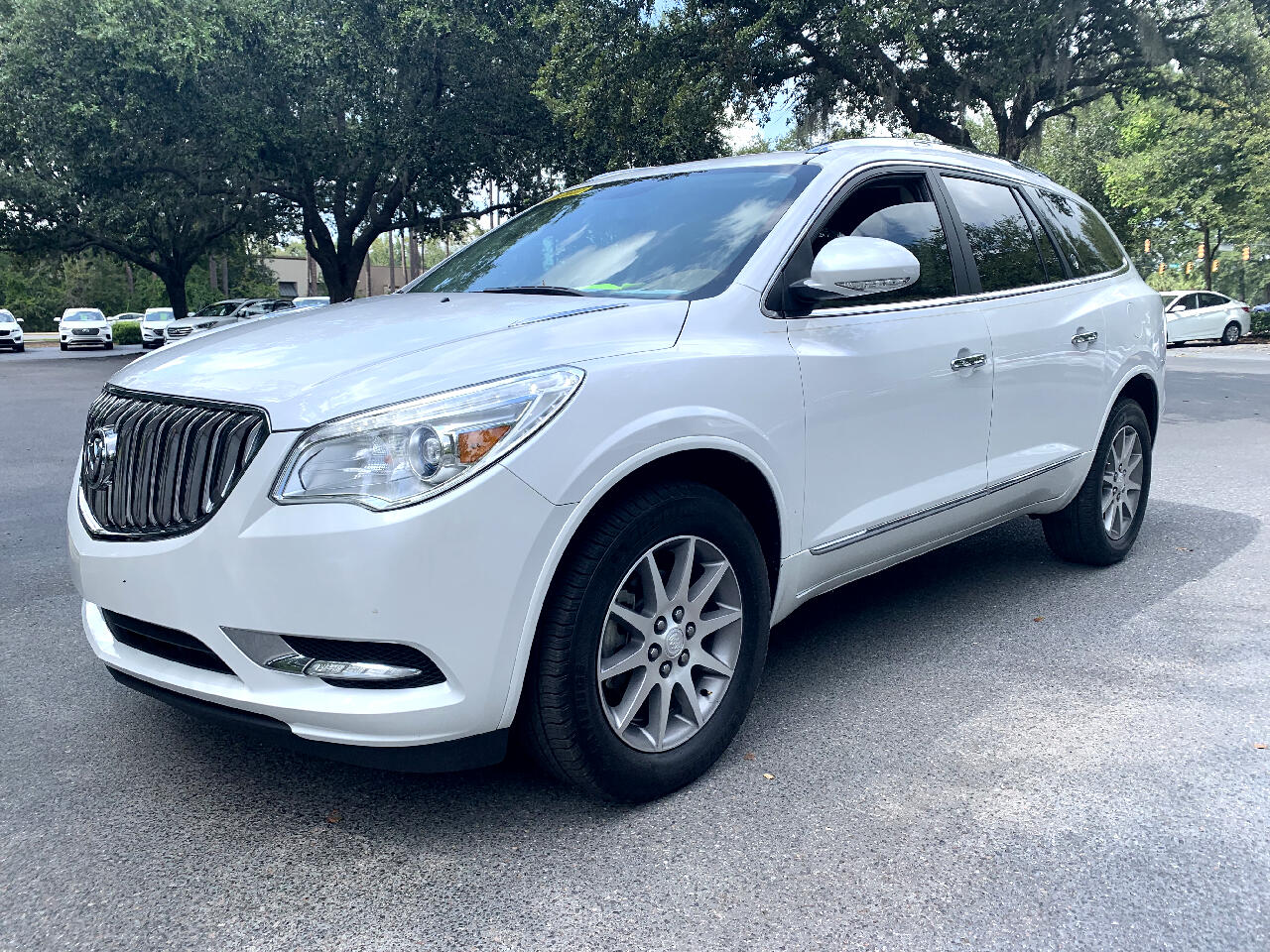 2017 Buick Enclave FWD 4dr Leather With a 3rd Row Seat