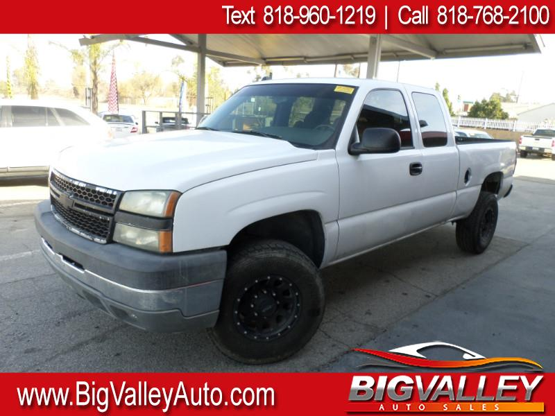 2005 Chevrolet Silverado 2500HD LT Ext. Cab Long Bed 2WD