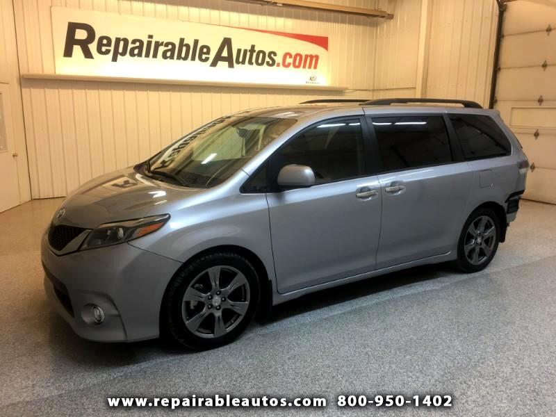 2017 Toyota Sienna SE FWD Repairable Rear Damage