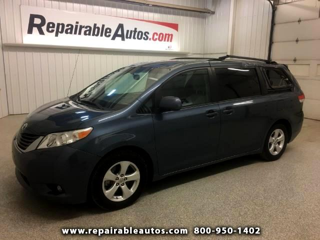 2014 Toyota Sienna LE FWD Repairable Roof Damage