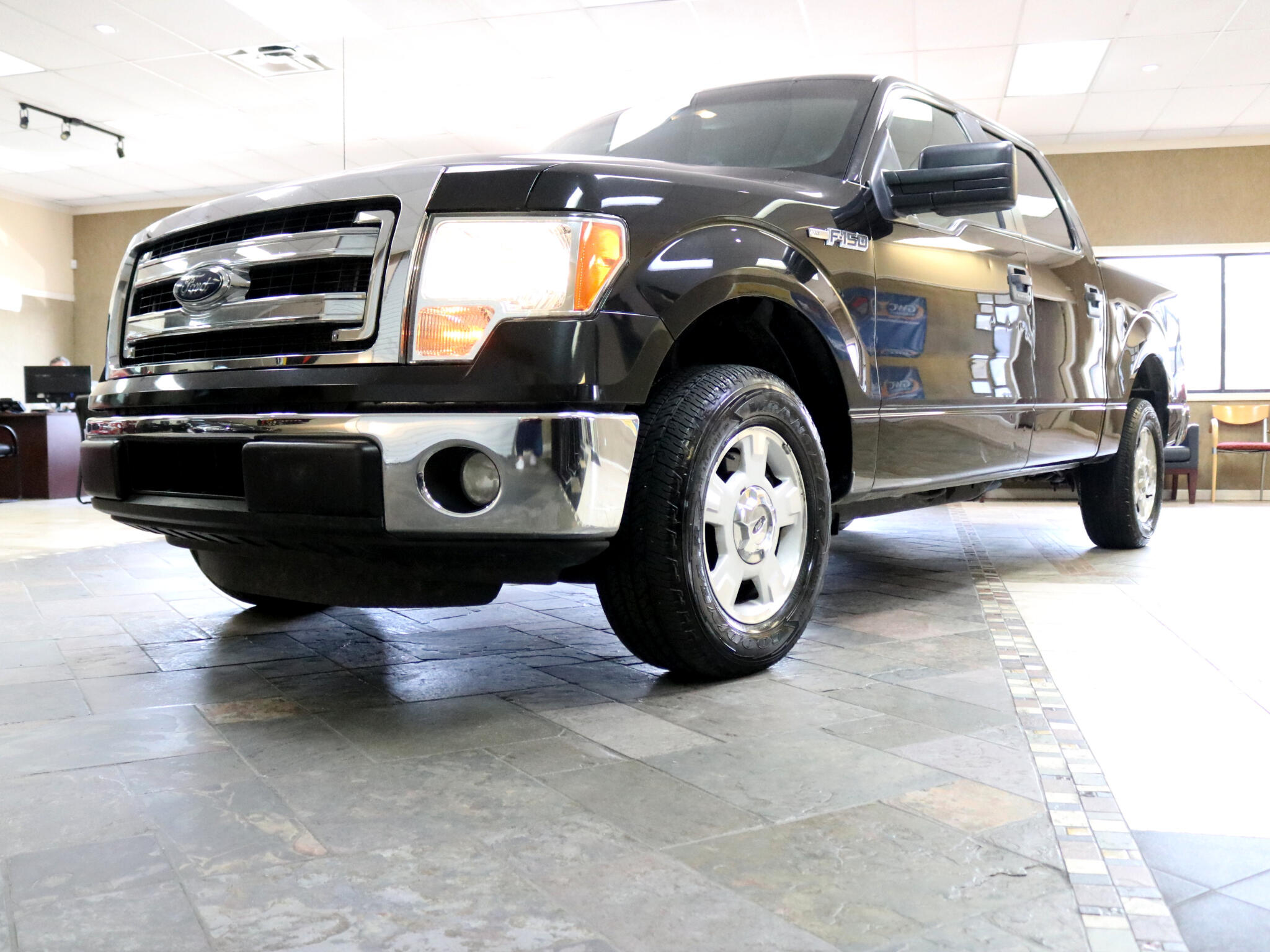 2014 Ford F-150 XLT SuperCrew 2WD