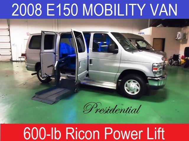 2008 Ford E150 Presidential Wheelchair Mobility Van