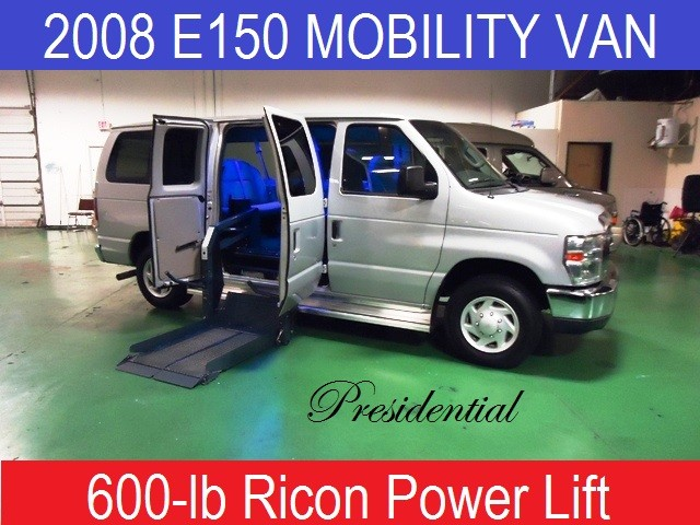 2008 Ford E150 Presidential Wheelchair Mobility Van