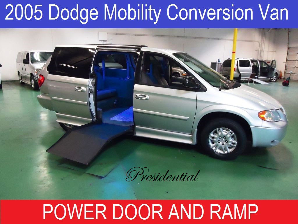 2005 Dodge Grand Caravan Presidential Wheelchair Ramp Van