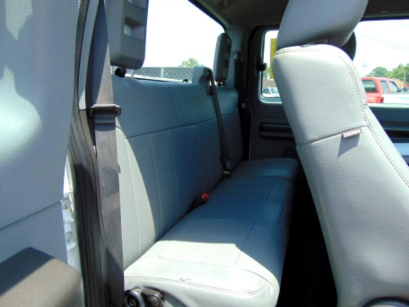 2011 Ford F-250 SD XLT SuperCab Long Bed 2WD
