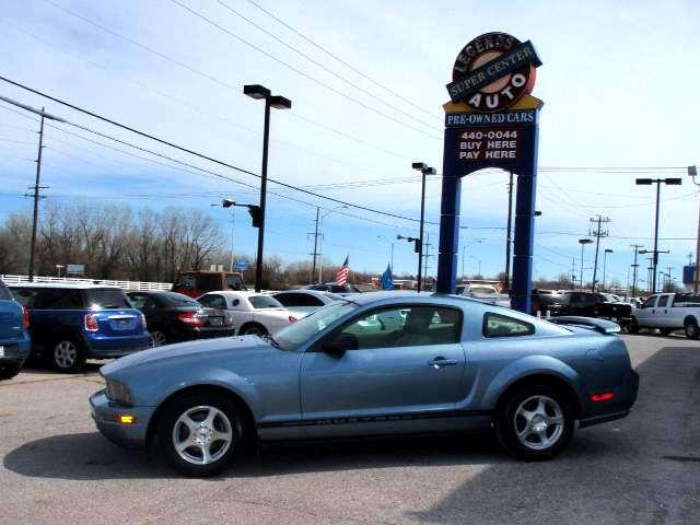 Ford Mustang V6 Premium Coupe 2005