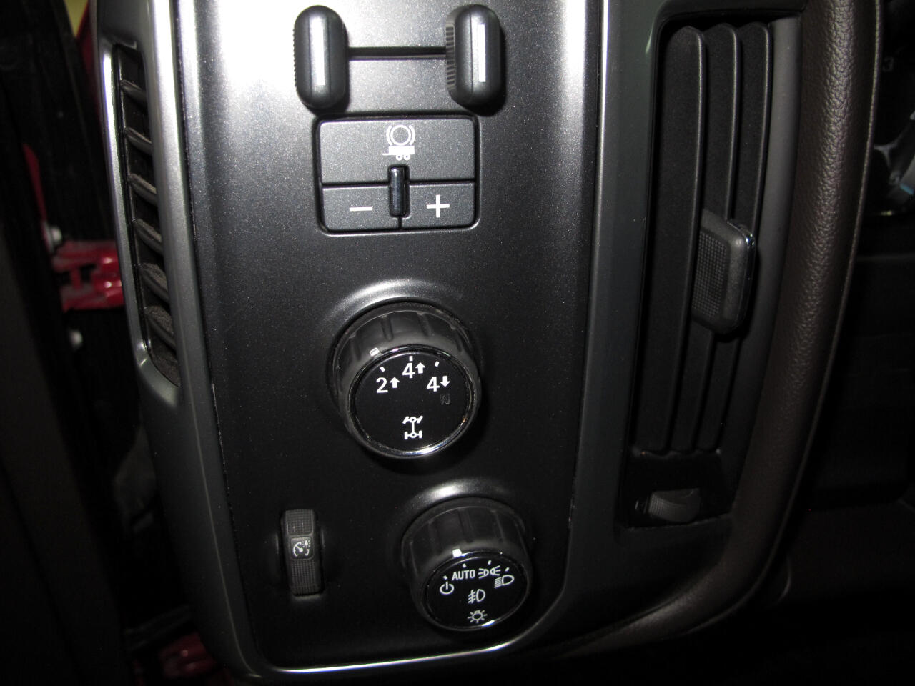 2015 Chevrolet Silverado 2500HD Built After Aug 14 4WD Crew Cab 153.7