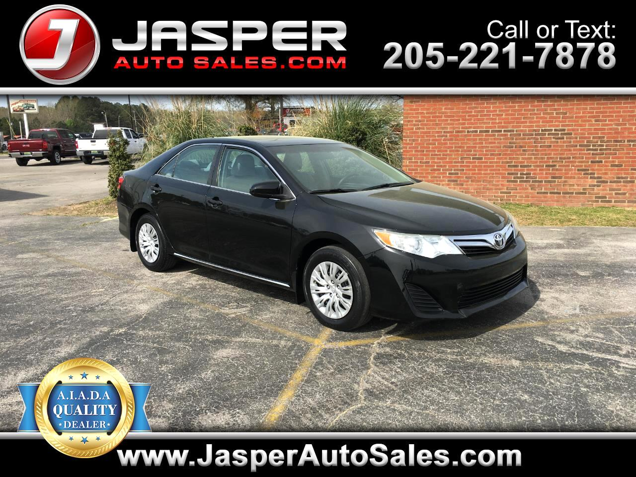 2012 Toyota Camry 2014.5 4dr Sdn I4 Auto LE (Natl)