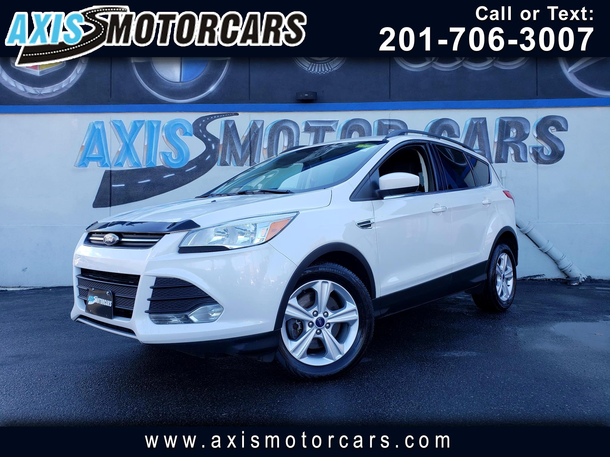 2015 Ford Escape SE w/Navigation Bakup Camera