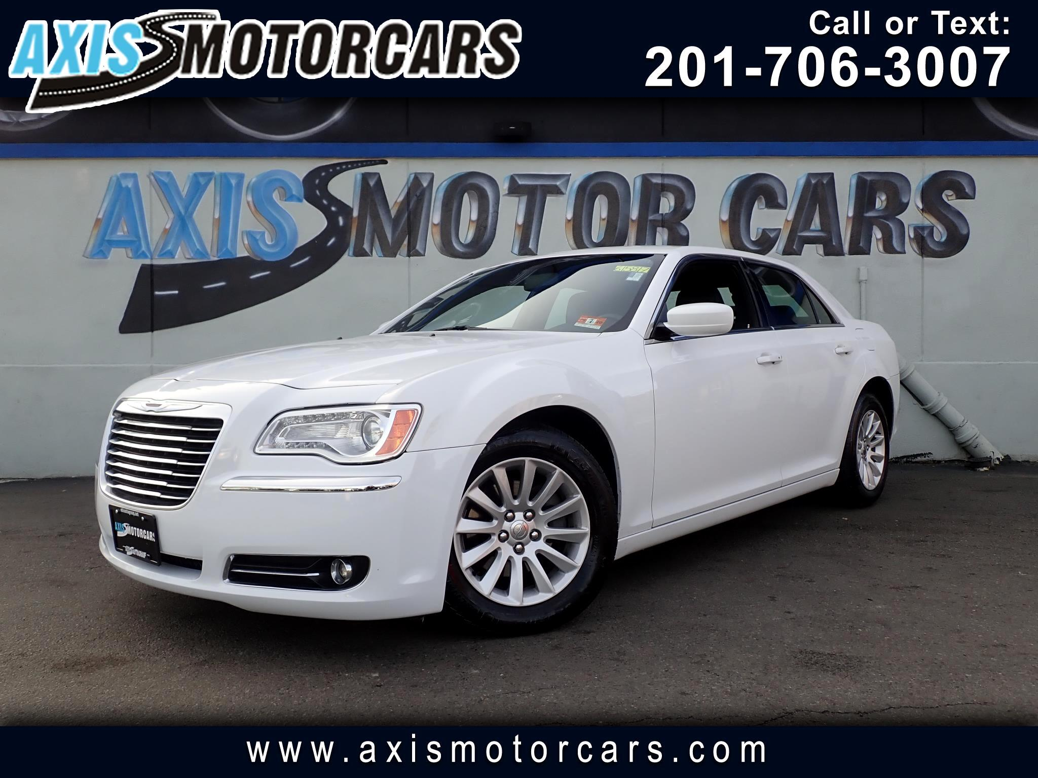 2013 Chrysler 300 w/Bakup Camera Leather