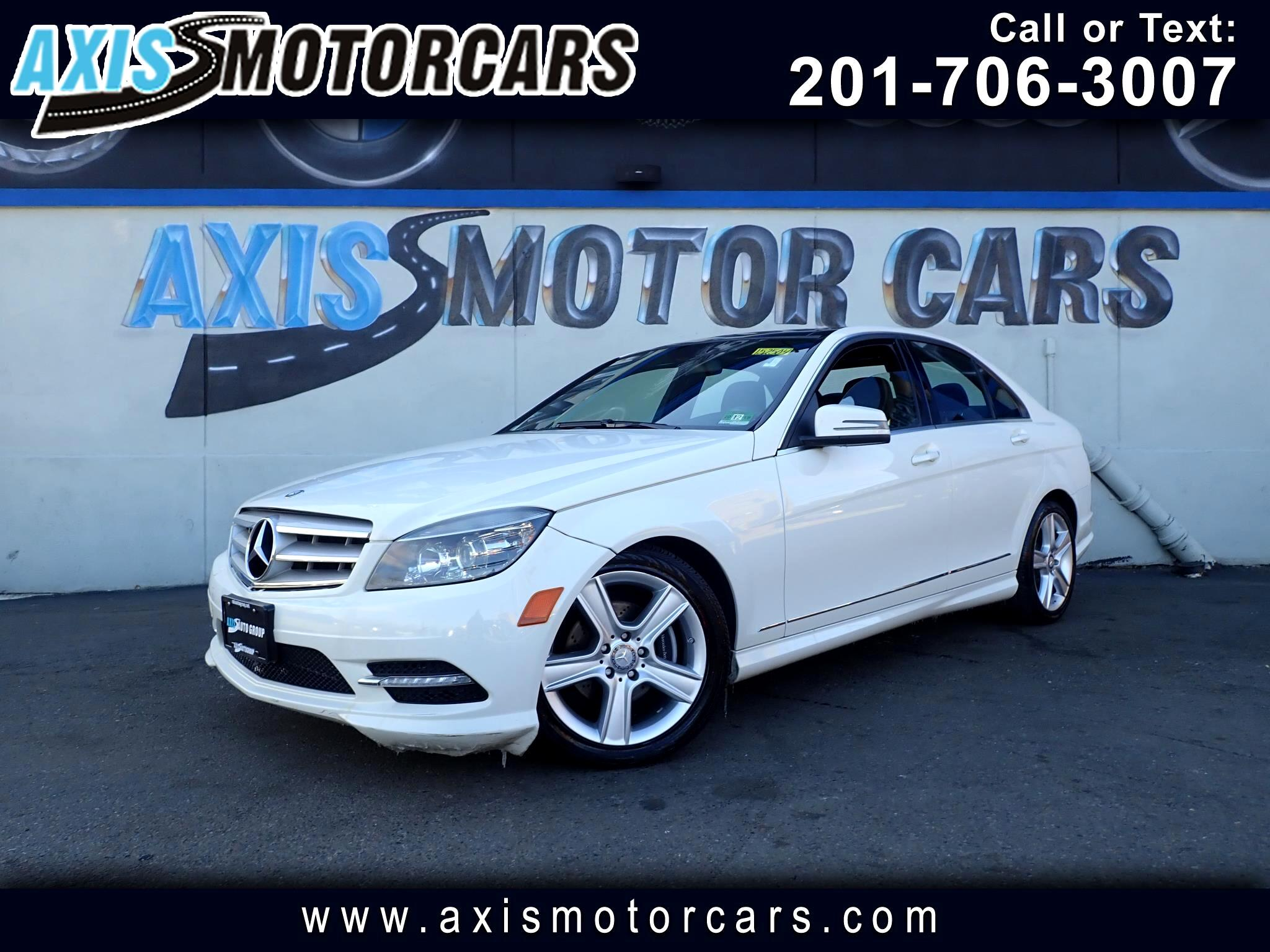 2011 Mercedes-Benz C300 4MATIC w/Panoramic Roof Navigation